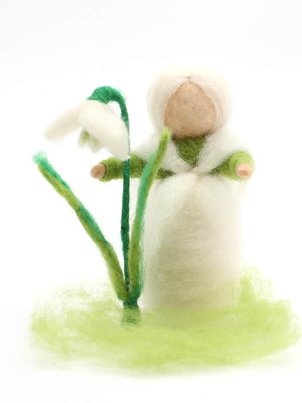 Bastelpackung Schneeglöckchenkind aus Märchenwolle T&W