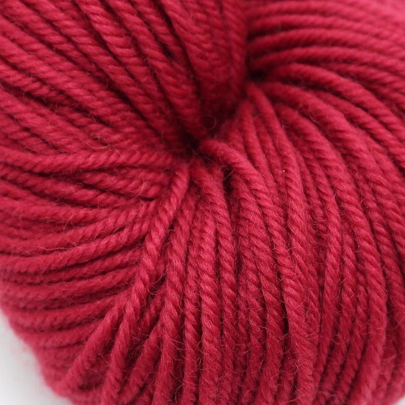 Pflanzengefärbter Schurwollzwirn Rot