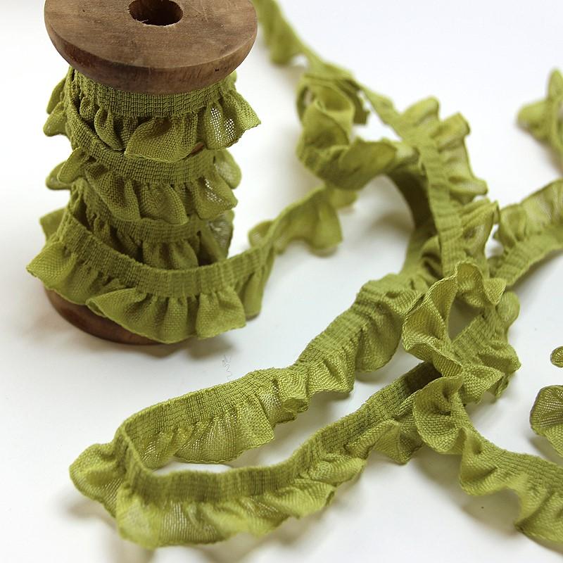 Rüschenborte aus Baumwolle in grün