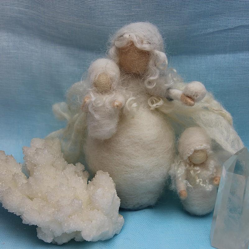 Bastelpackung Schneekönigin mit 2 Schneeflöckchenkinder T&W