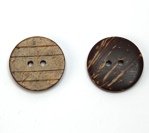 Knopf aus Kokosnuss mit Rillen