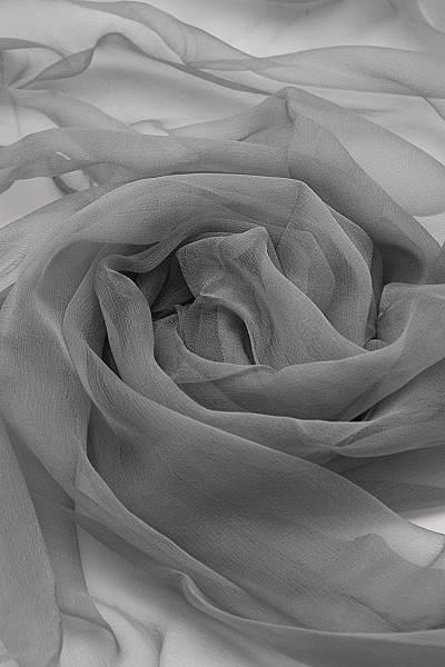 Seidenschal aus Chiffon 180 x 55 cm Grau